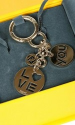 fendi-portachiavi-love-key-ring-primavera-estate-2011-spring-summer
