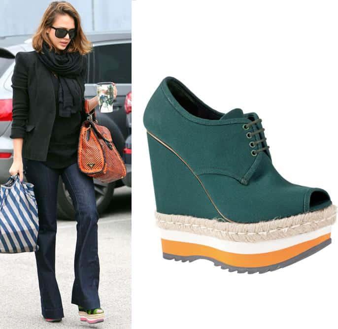 Jessica-Alba-scarpe-Prada-borsa-prada