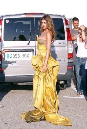 Belen Rodriguez per Grazia foto Ibiza d0bc7b4f367