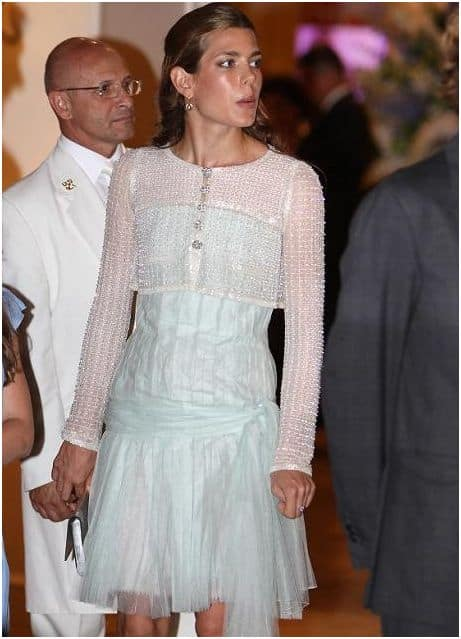 charlotte casiraghi foto in chanel