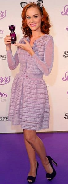 Katy Perry lancia il suo profumo a Toronto