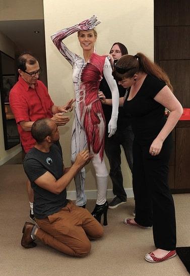 Heidi Klum, costume donna trasparente