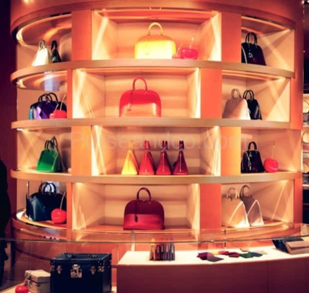 Louis Vuitton Roma Etoile San Lorenzo in Lucina interno negozio