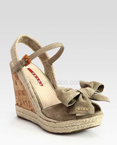 Prada scarpe prezzi primavera estate 2012 zeppe con fiocco