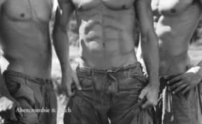 Modelli Abercrombie a torso nudo