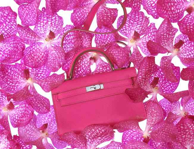 La borsa Hermes Kelly Tiny in rosa intenso