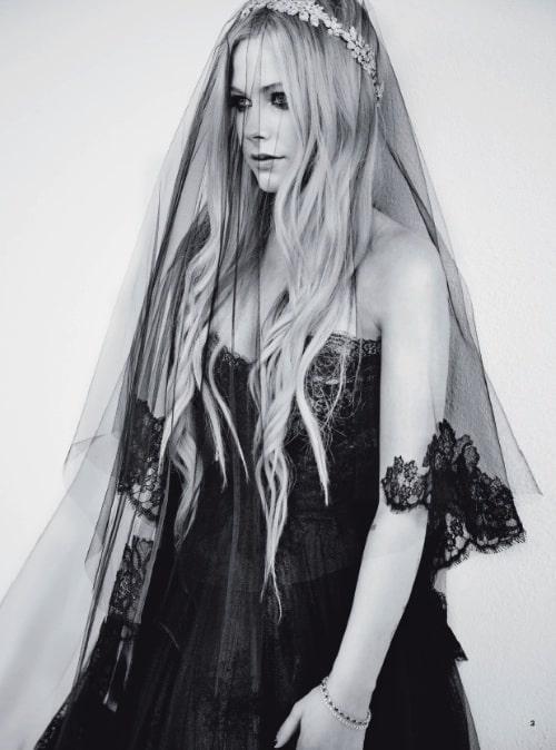 Avril Lavigne sposa