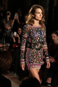 Tendenze e acconciature capelli primavera estate 2014 passerelle Emilio Pucci