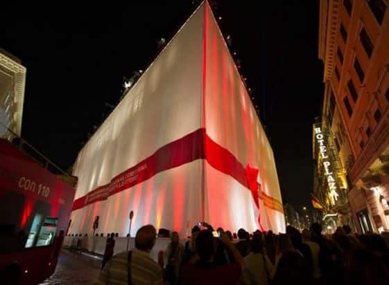 roma H&M inaugurazione via del corso pacco