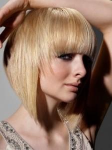 Taglio scalato lungo per capelli mossi