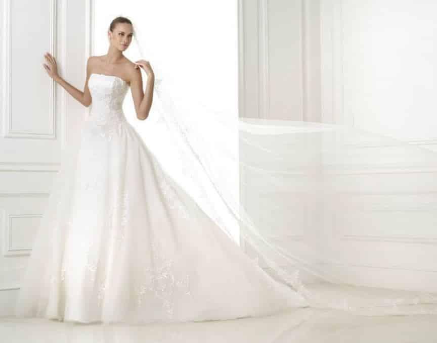 abiti da sposa Pronovias 2015 ricami