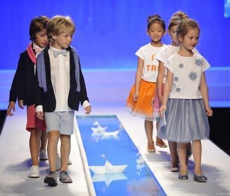 Abbigliamento bambini primavera estate 2015 il gufo moda. E  passato  qualche tempo dall entusiasmante sfilata di Pitti Bimbo ... e7a224f2e60