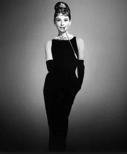 Abiti Audrey Hepburn colazione da Tiffany tubino Givenchy
