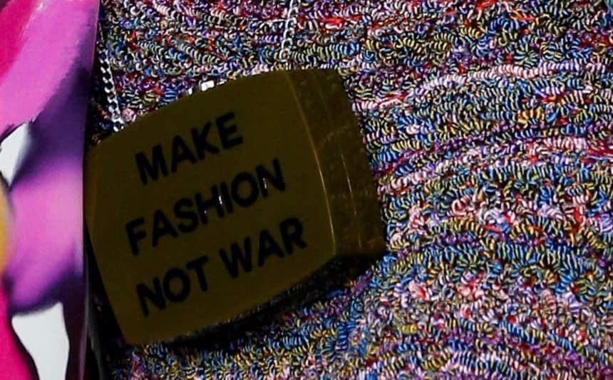 borse Chanel primavera estate 2015 make fashion not war
