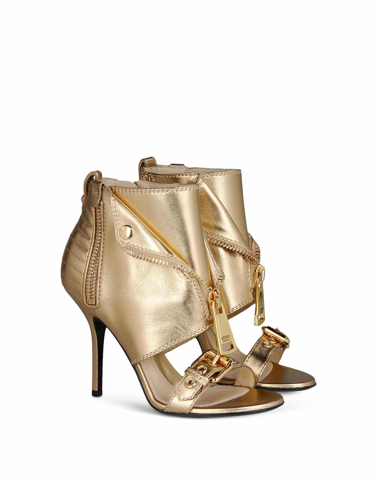 Moschino sandalo con borchie e zip 795.00 euro
