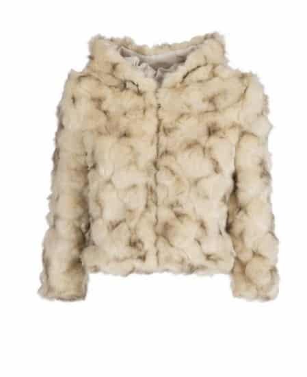 Motivi Abbigliamento 2017  un Assaggio dell Autunno Inverno  f923ec2e898f